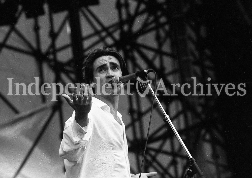 Acts on stage at the Feile Festival in Thurles, Tipperary, 02/08/1992 (Part of the Independent Newspapers Ireland/ NLI Collection).