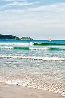 Praia de Bombas. Bombinhas, Santa Catarina, Brasil. / <br /> Bombas Beach. Bombinhas, Santa Catarina, Brazil.