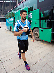 NANNING, CHINA - Sunday, March 25, 2018: Uruguay's Luis Suárez arrives for a training session at the Guangxi Sports Centre ahead of the 2018 Gree China Cup International Football Championship final match against Uruguay. (Pic by David Rawcliffe/Propaganda)