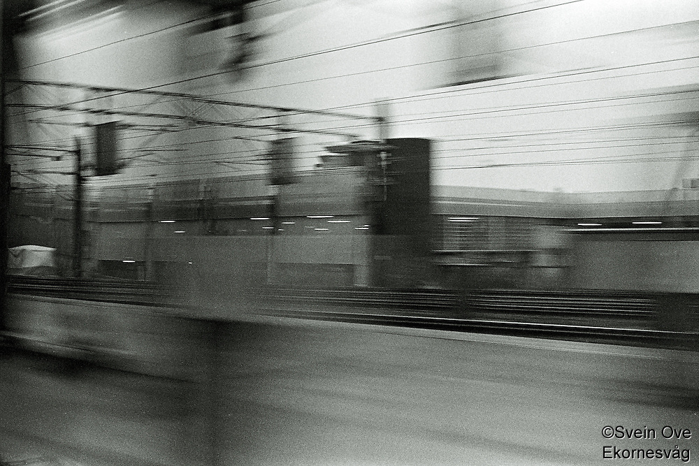 Oslo 20111104. En togstasjon utenfor Oslo.<br /> Foto: Svein Ove Ekornesvåg