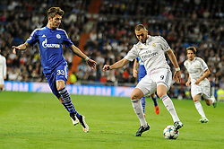10.03.2015, Estadio Santiago Bernabeu, Madrid, ESP, UEFA CL, Real Madrid vs Schalke 04, Achtelfinal, R&uuml;ckspiel, im Bild Real Madrid&acute;s Karim Benzema and FC Shalke 04&acute;s Roman Neustadter // during the UEFA Champions League Round of 16, 2nd Leg match between Real Madrid and Schakke 04 at the Estadio Santiago Bernabeu in Madrid, Spain on 2015/03/10. EXPA Pictures &copy; 2015, PhotoCredit: EXPA/ Alterphotos/ Luis Fernandez<br /> <br /> *****ATTENTION - OUT of ESP, SUI*****