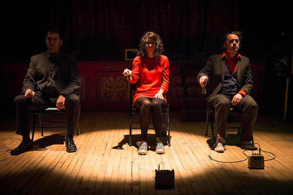 MINEMINEMINE, La Sala Rossa, Dimanche 19 octobre 2014, Mineminemine: Alexandre St-Onge, Magali Babin, André Éric Létourneau.