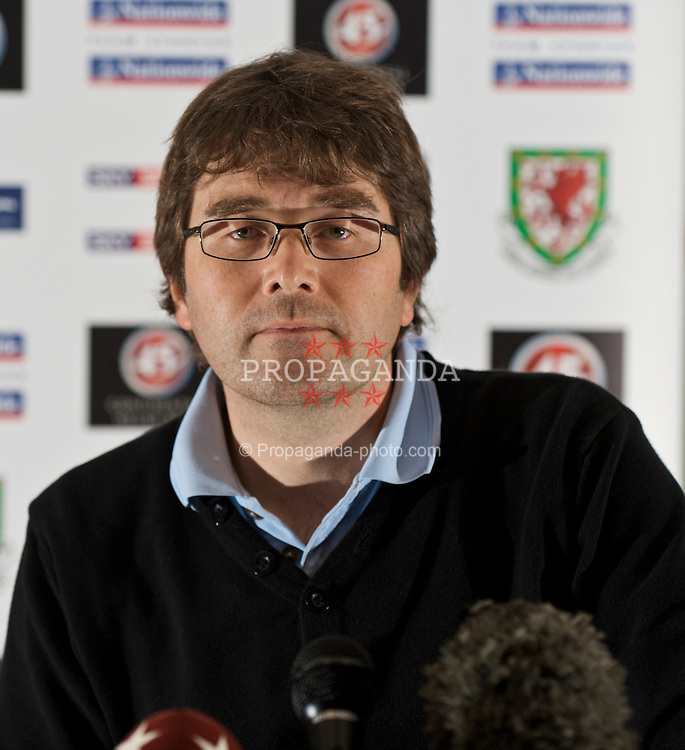 CARDIFF, WALES - Tuesday, September 8, 2009: Sgorio's Gary Pritchard during a press conference at the Vale of Glamorgan Hotel ahead of the FIFA World Cup Qualifying Group 3 match against Russia. (Pic by David Rawcliffe/Propaganda)