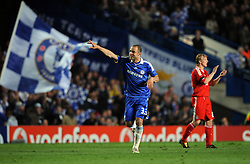 Alex celebrates scoring the second goal during the UEFA Champions League Quarter Final Second Leg match between Chelsea and Liverpool at Stamford Bridge on April 14, 2009 in London, England.