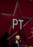 Belo Horizonte_MG, 08 de Fevereiro de 2010...O vice-presidente Jose Alencar (PRB) receba o titulo de militante honorario na festa de comemoracao dos 30 anos do PT...Foto: LEO DRUMOND / NITRO