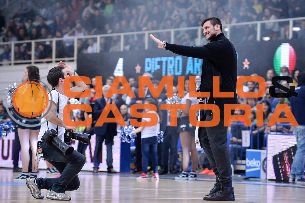 DESCRIZIONE : Trento Beko All Star Game 2016<br /> GIOCATORE : Richard Morgano Alessandro Gentile<br /> CATEGORIA : Before Pregame Fair Play<br /> SQUADRA : Cavit All Star Team<br /> EVENTO : Beko All Star Game 2016<br /> GARA : Beko All Star Game 2016<br /> DATA : 10/01/2016<br /> SPORT : Pallacanestro <br /> AUTORE : Agenzia Ciamillo-Castoria/L.Canu