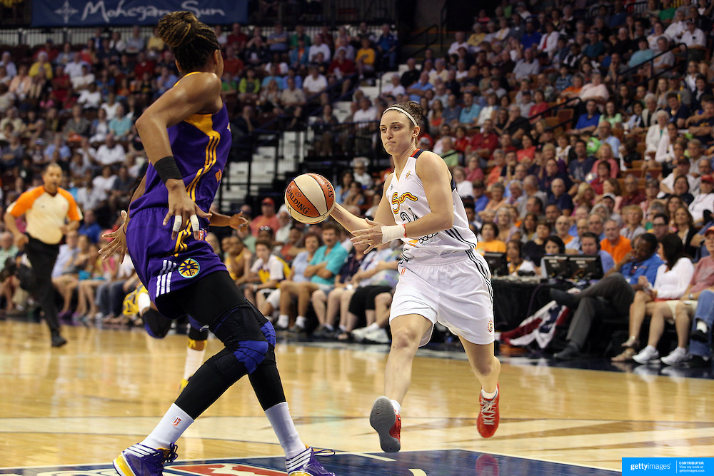 Kelly Faris, Connecticut Sun in action during the Connecticut Sun Vs Los Angeles Sparks WNBA regular season game at Mohegan Sun Arena, Uncasville, Connecticut, USA. 3rd July 2014. Photo Tim Clayton