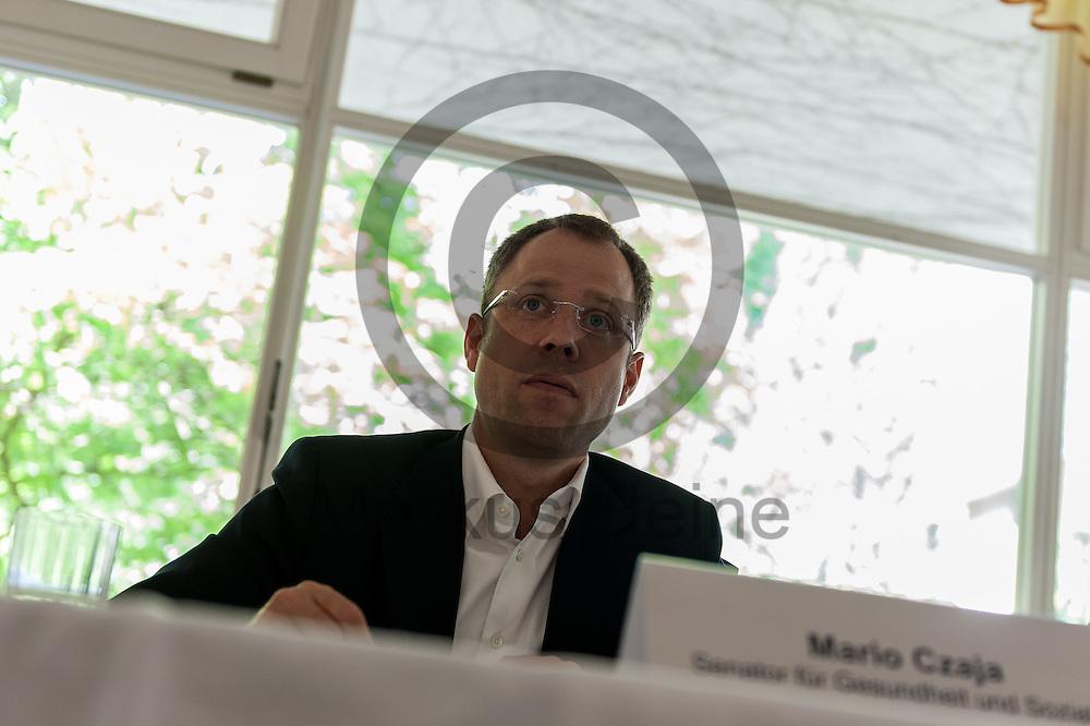 Der Senator f&uuml;r Gesundheit und Soziales Mario Czaja (CDU) spricht w&auml;hrend der Vorstellung des Landespflegeplan am 08.06.2016 in Berlin, Deutschland. Der Landespflegeplan behandelt Themen der &auml;lter werdenden Stadt und Antworten auf die kommenden Herausforderungen. Foto: Markus Heine / heineimaging<br /> <br /> ------------------------------<br /> <br /> Ver&ouml;ffentlichung nur mit Fotografennennung, sowie gegen Honorar und Belegexemplar.<br /> <br /> Bankverbindung:<br /> IBAN: DE65660908000004437497<br /> BIC CODE: GENODE61BBB<br /> Badische Beamten Bank Karlsruhe<br /> <br /> USt-IdNr: DE291853306<br /> <br /> Please note:<br /> All rights reserved! Don't publish without copyright!<br /> <br /> Stand: 06.2016<br /> <br /> ------------------------------w&auml;hrend der Vorstellung des Landespflegeplan am 08.06.2016 in Berlin, Deutschland. Der Landespflegeplan behandelt Themen der &auml;lter werdenden Stadt und Antworten auf die kommenden Herausforderungen. Foto: Markus Heine / heineimaging<br /> <br /> ------------------------------<br /> <br /> Ver&ouml;ffentlichung nur mit Fotografennennung, sowie gegen Honorar und Belegexemplar.<br /> <br /> Bankverbindung:<br /> IBAN: DE65660908000004437497<br /> BIC CODE: GENODE61BBB<br /> Badische Beamten Bank Karlsruhe<br /> <br /> USt-IdNr: DE291853306<br /> <br /> Please note:<br /> All rights reserved! Don't publish without copyright!<br /> <br /> Stand: 06.2016<br /> <br /> ------------------------------