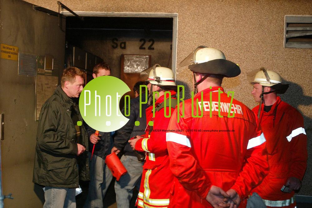 Mannheim. 23 Uhr: Kabelbrand in einem Stromhaus der MVV am M&ouml;nchplatz. Sandhofen teilweise ohne Strom.<br /> <br /> Bild: Markus Pro&szlig;witz