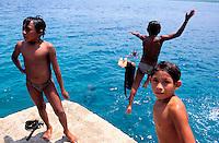 Panama - Archipel de San Blas - Rio Sidra - Village de Makina - Indiens Kuna