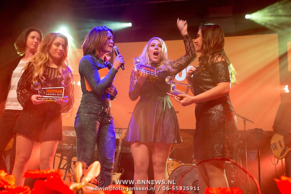 NLD/Uitgeest/20170207 - Uitreiking 100% NL Awards 2016, Ogene winnen de prijs voor beste zangeres