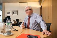 15 JAN 2013, BERLIN/GERMANY:<br /> Frank-Walter Steinmeier, SPD Fraktionsvorsitzender, waehrend einem Interview, in seinem Buero, Jakob-Kaiser-Haus, Deutscher Budnestag<br /> IMAGE: 20130115-01-024<br /> KEYWORDS: B&uuml;ro