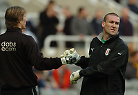 Credit: Back Page Images / Matthew Impey. Newcastle United v Fulham, FA Premiership, 7/11/2004. Fulham goalkeepers Mark Crossley (facing) and Edwin van der Sar before the game