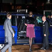 NLD/Utrecht/20130201 - Vertrek 75ste verjaardagfeest  Koninging Beatrix, instappen van prins Maurits en prinses Marilene van den Broek