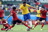 v.l. Francisco Rodriguez (Mexiko), Fred <br /> Fussball, FIFA WM 2014 in Brasilien, Vorrunde, <br /> Brasil - Mexico<br /> <br /> Norway only