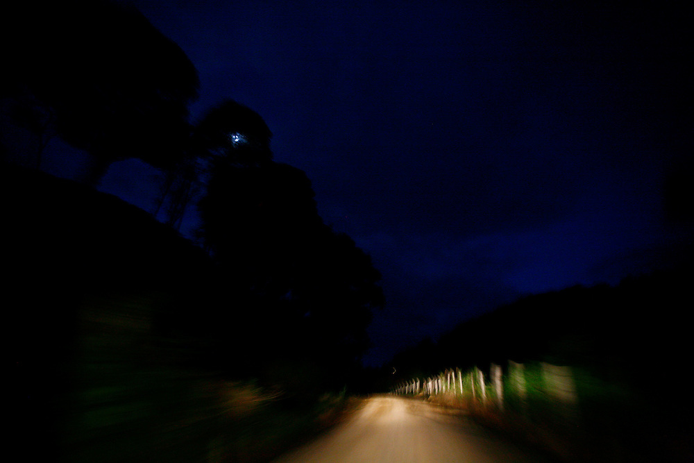Monte Siao_MG, Brasil...Estrada de terra em Monte Siao...A dirty road in Monte Siao...Foto: LEO DRUMOND / NITRO