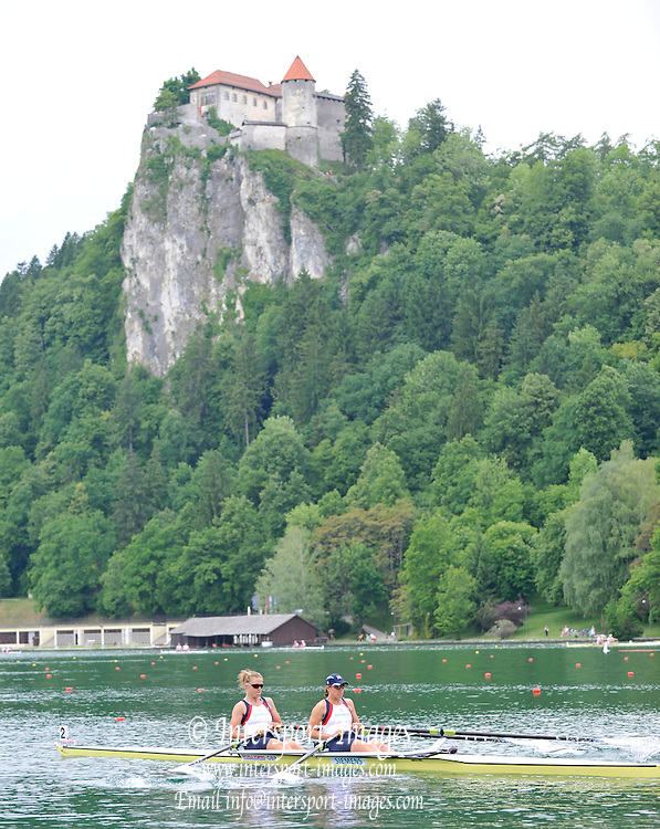 Bled, SLOVENIA,  Bow, Anna WATKIN [Bebington] and Katherine GRAINGER, GBR W2X. move away from the start in their heat on the opening day, FISA World Cup, Bled venue, Lake Bled.  Friday  28/05/2010  [Mandatory Credit Peter Spurrier/ Intersport Images]