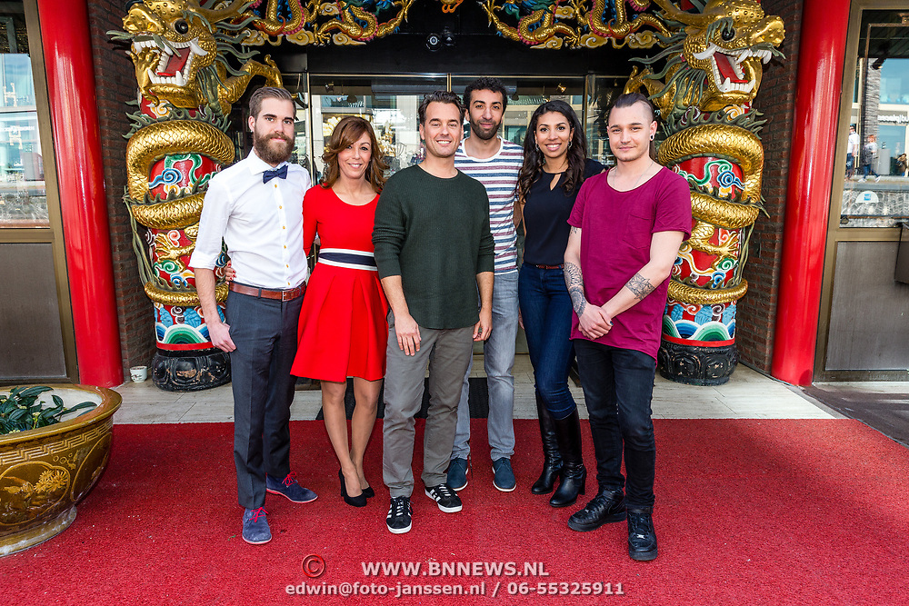 NLD/Amsterdam/20170330 - Perspresentatie Peking Express 2017, August, Awatef, Rik van de Westelaken, Hicham, Siham en Frank