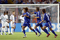 FOOTBALL - CONFEDERATIONS CUP 2003 - GROUP A - FRANKRIKE v JAPAN - 030620 - JOY NAOHIRO TAKAHARA (JAP) AFTER HIS GOAL - PHOTO GUY JEFFROY / DIGITALSPORT