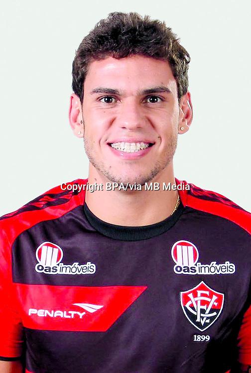 Fabricio Silva Dornellas  ( Esporte Clube Vitória )