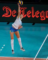 28-09-2015 NED: Volleyball European Championship Polen - Slovenie, Apeldoorn<br /> Polen wint met 3-0 van Slovenie / Ziva Recek #11