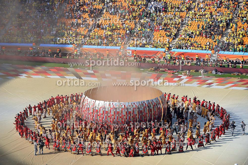11.06.2010, Soccer City Stadium, Johannesburg, RSA, FIFA WM 2010, Eröffnungsfeier im Bild die Eröffnungsfeier der FIFA Welmeisterschaft 2010 in Südafrika, EXPA Pictures © 2010, PhotoCredit: EXPA/ InsideFoto/ G. Perottino, ATTENTION! FOR AUSTRIA AND SLOVENIA ONLY!!! / SPORTIDA PHOTO AGENCY