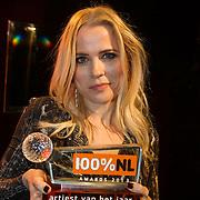 NLD/Amsterdam/20140205 - Uitreiking 100% NL Awards 2013,  Ilse de Lange met haar award
