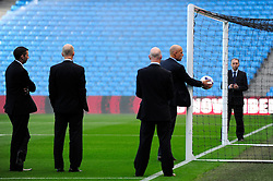 Referee, Howard Webb tests the new goal line technology. - Photo mandatory by-line: Dougie Allward/JMP - Tel: Mobile: 07966 386802 22/09/2013 - SPORT - FOOTBALL - City of Manchester Stadium - Manchester - Manchester City V Manchester United - Barclays Premier League