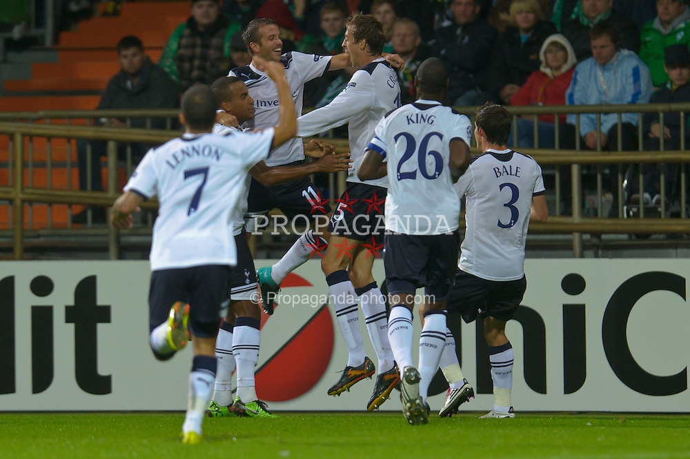 14.09.2010, Weserstadion, Bremen, GER, UEFA CL Gruppe A, Werder Bremen (GER) vs Tottenham Hotspur (UK), im Bild  0:2 Peter Crouch (Tottenham #15) Jubel  EXPA Pictures © 2010, PhotoCredit: EXPA/ nph/  Kokenge+++++ ATTENTION - OUT OF GER +++++