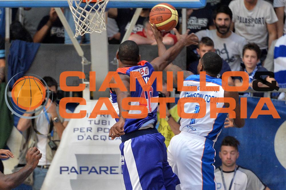 DESCRIZIONE : Cant&ugrave; Lega A 2014-15 Acqua Vitasnella Cant&ugrave; vs Enel Brindisi<br /> GIOCATORE : Eric Williams<br /> CATEGORIA : Tiro<br /> SQUADRA : Acqua Vitasnella Cant&ugrave;<br /> EVENTO : Campionato Lega A 2014-2015 GARA : Acqua Vitasnella Cant&ugrave; vs Enel Brindisi<br /> DATA : 29/11/2014 <br /> SPORT : Pallacanestro <br /> AUTORE : Agenzia Ciamillo-Castoria/I.Mancini<br /> Galleria : Lega Basket A 2014-2015 <br /> Fotonotizia : Cant&ugrave;<br /> Lega A 2014-15 Acqua Vitasnella Cant&ugrave; vs Enel Brindisi<br /> Predefinita :