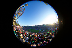 LOS ANGELES, USA - Monday, May 28, 2018: Wales take on Mexico in front of 82,345 supporters during an international friendly between Mexico and Wales at the Rose Bowl. (Pic by David Rawcliffe/Propaganda)
