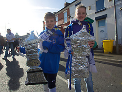 LIVERPOOL, ENGLAND - Sunday, February 16, 2014: Everton supporters with tin foil FA Cups outside Goodison Park before the FA Cup 5th Round match at Goodison Park between Everton and Swansea City(Pic by David Rawcliffe/Propaganda)