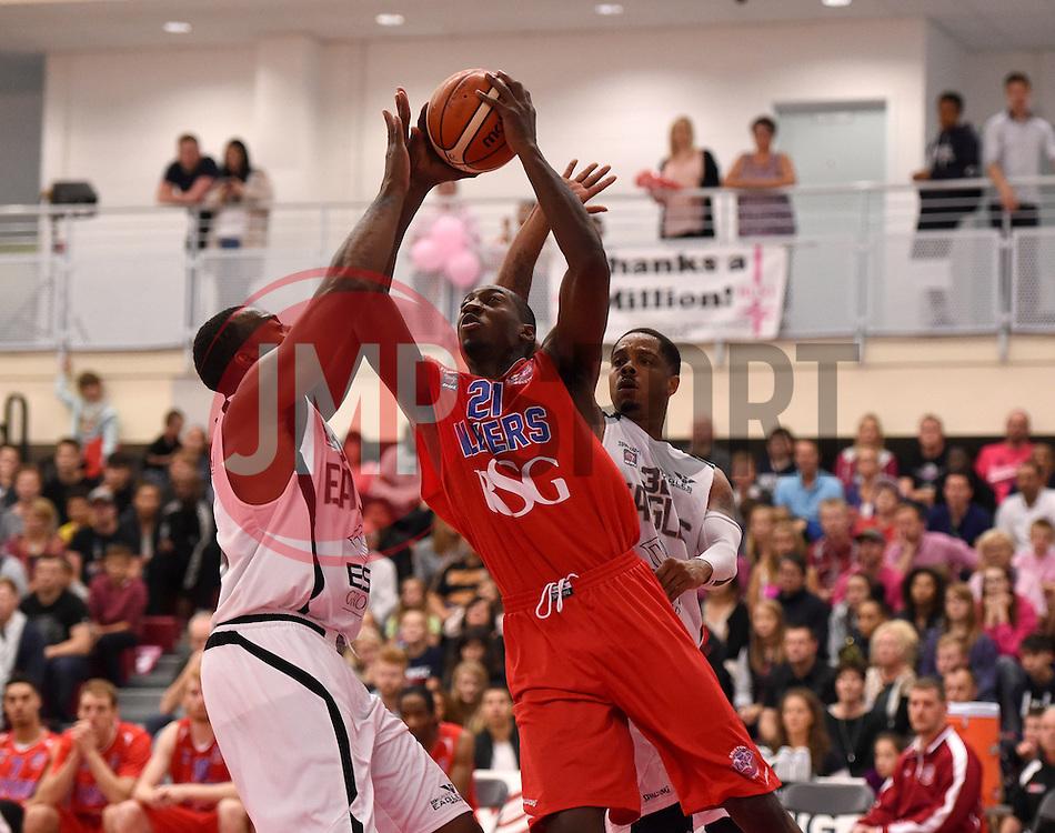 Tyrone Lee of Bristol Flyers  - Photo mandatory by-line: Joe Meredith/JMP - Mobile: 07966 386802 - 10/10/2015 - BASKETBALL - SGS Wise Arena - Bristol, England - Bristol Flyers v Newcastle Eagles - British Basketball League