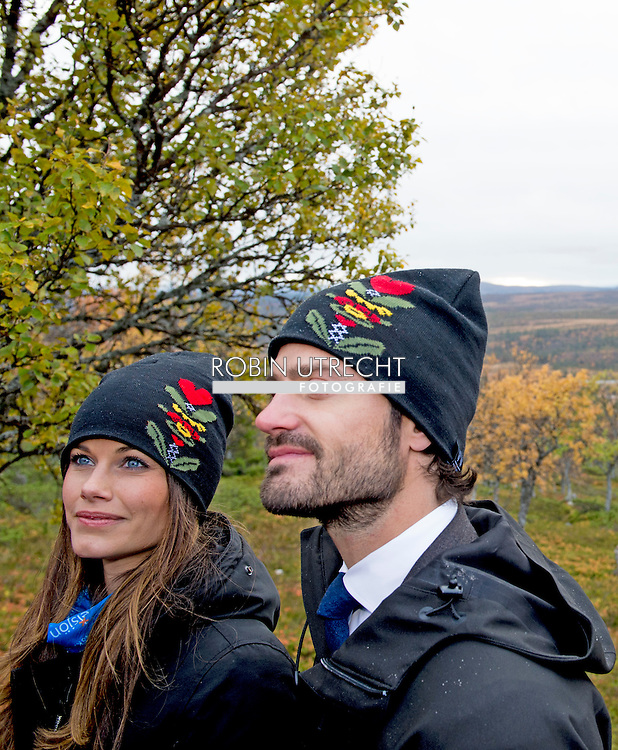 6-10-2015 Gr&ouml;velsj&ouml;n  Visit in Idre Sami village Prince Carl Philip and H.K.H. the Princess Sofia will visit two days the county of Dalarna 5-6 October 2015<br /> COPYRIGHT ROBIN URECHT
