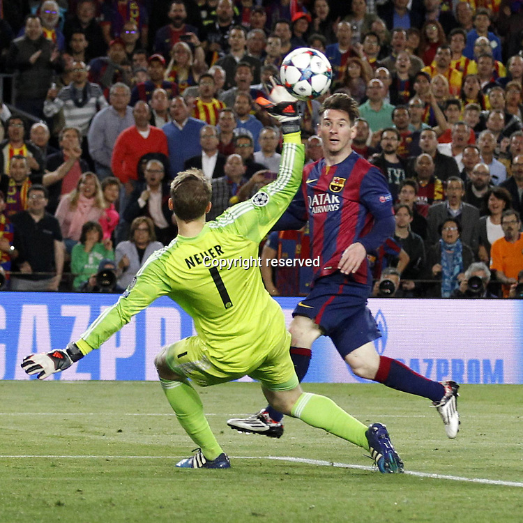06.05.2015. Nou Camp, Barcelona, Spain, UEFA Champions League semi-final. Barcelona versus Bayern Munich.  Goal from Lionel Messi (FC Barcelona) as he scores for 2-0 by chipping keeper Neuer in Bayern goal