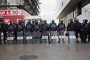 Police anti-emeutes dans le centre de Tunis