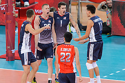 11.09.2014, Atlas Arena, Lodz, POL, FIVB WM, Serbien vs USA, 2. Runde, Gruppe E, im Bild Reprezentacja USA // during the FIVB Volleyball Men's World Championships 2nd Round Pool E Match beween Serbia and USA at the Atlas Arena in Lodz, Poland on 2014/09/11. EXPA Pictures © 2014, PhotoCredit: EXPA/ Newspix/ Mariusz Palczynski<br /> <br /> *****ATTENTION - for AUT, SLO, CRO, SRB, BIH, MAZ, TUR, SUI, SWE only*****