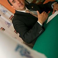 TOLUCA, México.- Edgar Cerecero López, presidente del Consejo Patronal del Estado de México (COPARMEX) en conferencia de prensa afirmo que desde hace 15 años México sufre un déficit de casi 7 millones de plazas laborales, y es necesario revertir esto. Agencia MVT / Crisanta Espinosa. (DIGITAL)