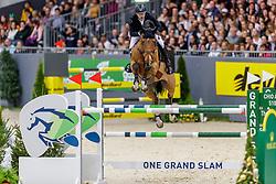 DEVOS Pieter (BEL), Espoir<br /> Genf - CHI Geneve Rolex Grand Slam 2019<br /> Rolex Grand Prix<br /> Internationale Springprüfung mit Stechen<br /> International Jumping Competition 1m60<br /> Grand Prix Against the Clock with Jump-Off<br /> 15. Dezember 2019<br /> © www.sportfotos-lafrentz.de/Stefan Lafrentz