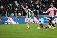 17.02.2017 - Torino - Serie A 2016/17 - 25a giornata  -  Juventus-Palermo nella  foto: Il gol del 3 a 0 di Gonzalo higuain