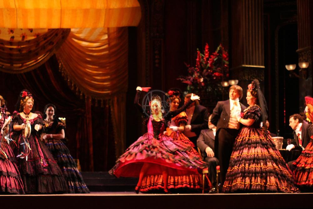 La Traviata dress rehearsal silver cast