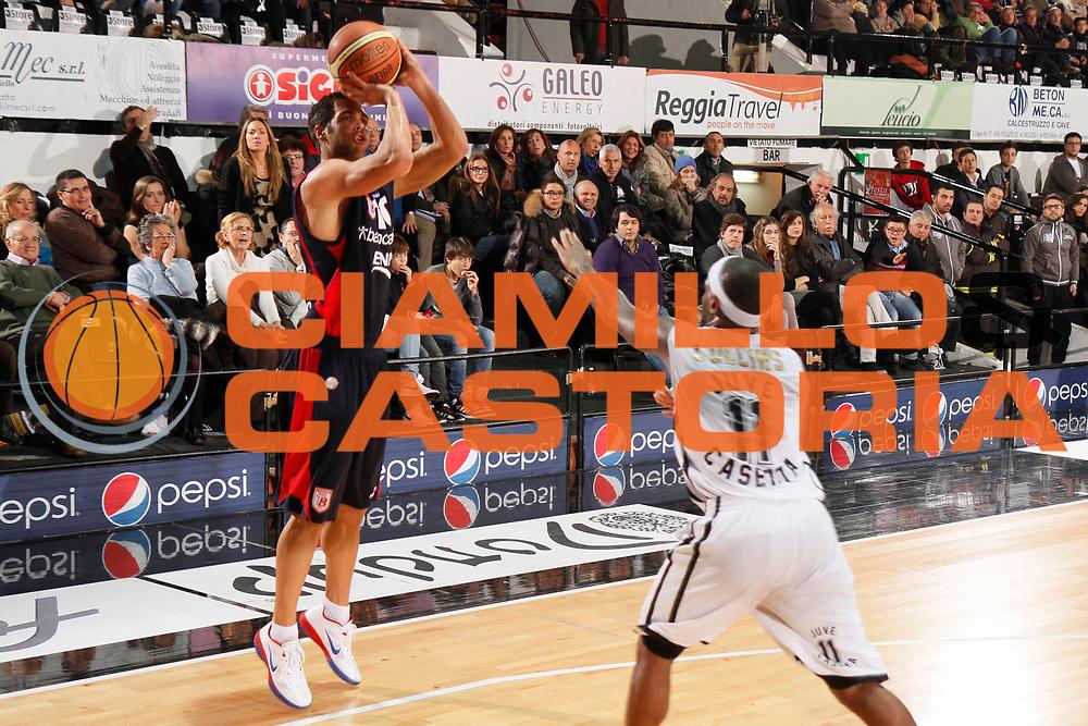 DESCRIZIONE : Caserta Lega A 2011-12 Pepsi Caserta Bancatercas Teramo<br /> GIOCATORE : Bruno Cerella<br /> SQUADRA : Bancatercas Teramo<br /> EVENTO : Campionato Lega A 2011-2012<br /> GARA : Pepsi Caserta Bancatercas Teramo<br /> DATA : 18/12/2011<br /> CATEGORIA : tiro three points shot<br /> SPORT : Pallacanestro<br /> AUTORE : Agenzia Ciamillo-Castoria/A.De Lise<br /> Galleria : Lega Basket A 2011-2012<br /> Fotonotizia : Caserta Lega A 2011-12 Pepsi Caserta Bancatercas Teramo<br /> Predefinita :