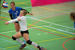 19-01-2019 NED: Pharmafilter US - Dros-Alterno, Amsterdam<br /> Round 15 of Eredivisie volleyball. Alterno win 3-0 (17-25 16-25 20-25) of US / Rianne Stok #1 of US, Saskia Bos #7 of US
