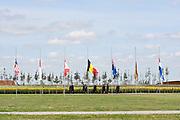 Koning Willem-Alexander en koningin Maxima komen aan voor de ingebruikname van het Nationaal Monument MH17 in Vijfhuizen<br /> <br /> King Willem-Alexander and Queen Maxima are in favor of the commissioning of the National Monument MH17 in Vijfhuizen