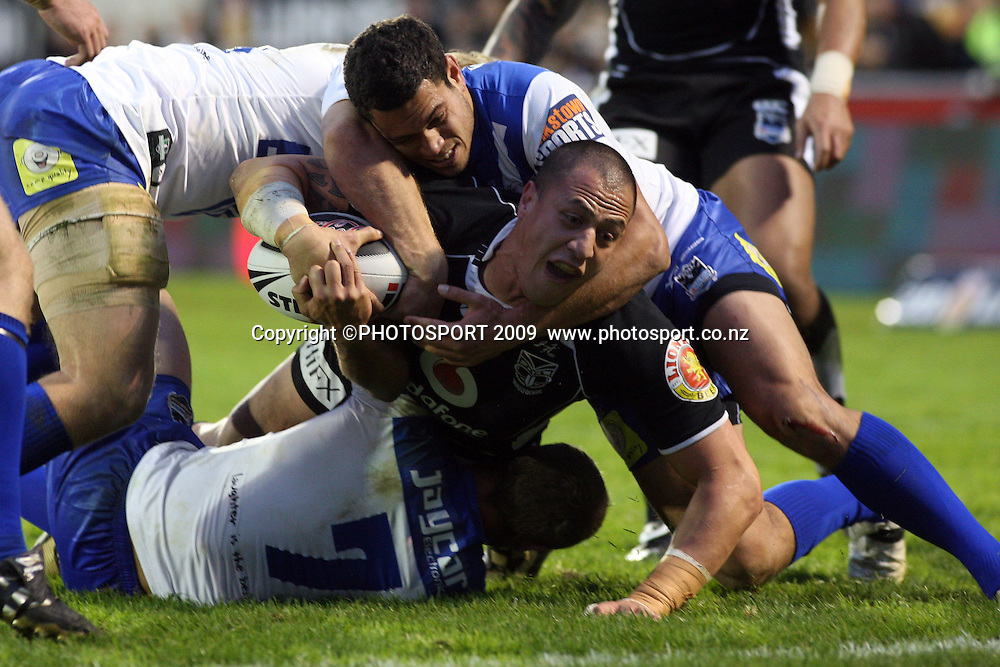 Jesse Royal tackled just in front of the try line.<br />