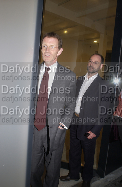 Nicholas Serota and Mark Francis, Cy Twombly at the new Gagosian Gallery, Britannia St. 27 May 2004. ONE TIME USE ONLY - DO NOT ARCHIVE  © Copyright Photograph by Dafydd Jones 66 Stockwell Park Rd. London SW9 0DA Tel 020 7733 0108 www.dafjones.com