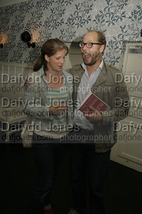 Sof and Charlie McVey, The Sound of No Hands Clapping. Toby Young book launch. High Road House. Chiswick, London. 11 September 2006. ONE TIME USE ONLY - DO NOT ARCHIVE  © Copyright Photograph by Dafydd Jones 66 Stockwell Park Rd. London SW9 0DA Tel 020 7733 0108 www.dafjones.com