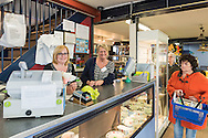 Nederland, Vught, 20160402.<br /> de Vincentius Kringloopwinkel Vught.<br /> De winkel is gespecialiseerd in goed herbruikbare goederen.<br /> De Vincentiusvereniging Vught is een een maatschappelijke dienstverleningsinstantie, die met behulp van vrijwilligers een structurele bijdrage wil leveren aan een beter leven voor zwakkeren en kwetsbaren in de samenleving. <br /> <br /> Netherlands, Vught<br /> Thrift Store Vught.<br /> The store specializes in good reusable goods. seconh hand shop<br /> The Vincentiusvereniging Vught is a social service agency, which with the help of volunteers want to make a structural contribution to a better life for the weak and vulnerable in society.