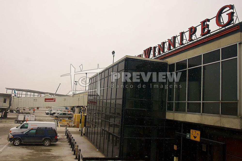 Desembarque no aeroporto internacional de Winnipeg, no Canadá. FOTO: Jefferson Bernardes/Preview.com