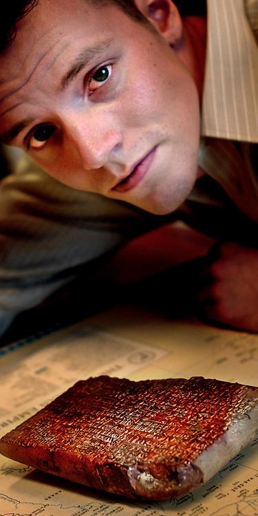 Groningen, Netherlands - 24-9-2003: RIENTS DE BOER is geswitched van economie naar spijkerschrift.